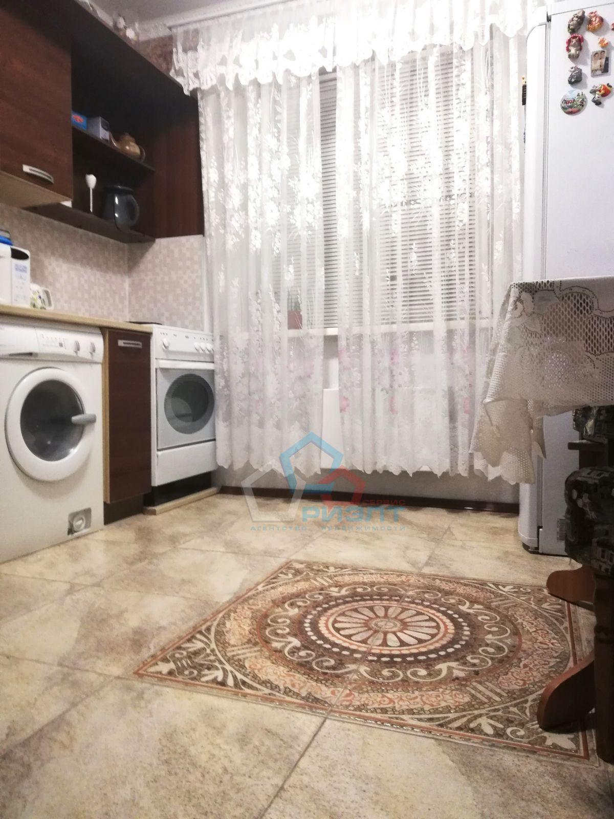 Квартира на продажу по адресу Россия, Омская область, Омск, Туполева ул, 8