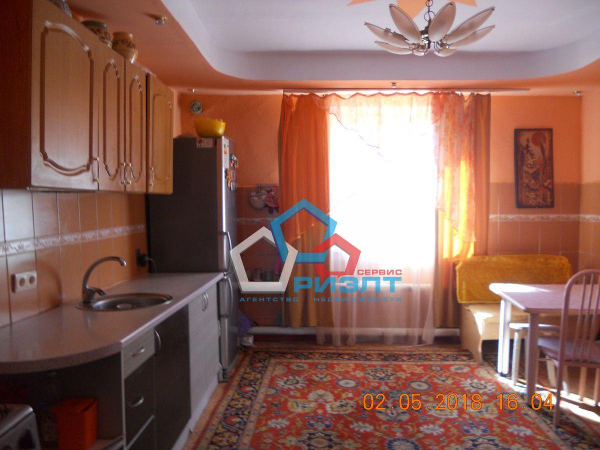 уютный теплый дом в отличном состоянии в центре амурского поселка. 5 больших комна...