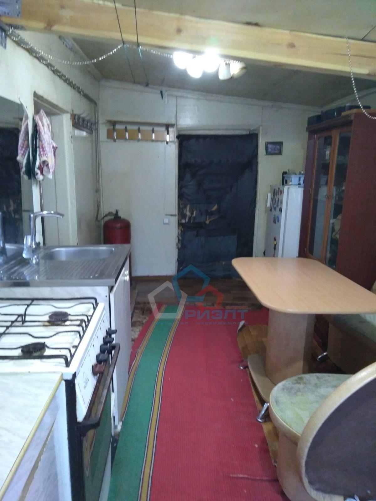 отдельно стоящий дом 50м2 на земельном участке 4,2 сот. дом теплый каркасно-насыпной....